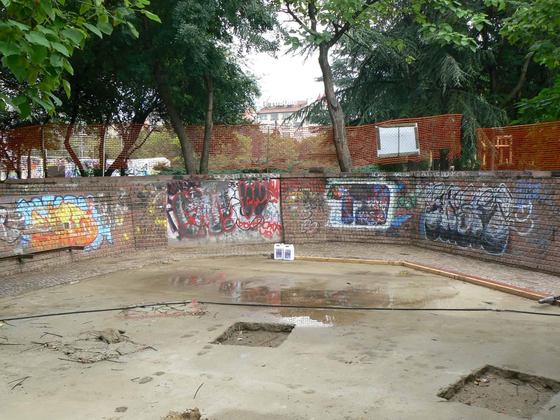 Graffitireinigung und Antigraffiti Beschichtung Klinker 1