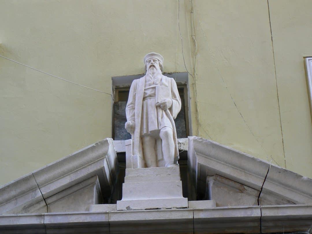 Reinigung und wasserabweisende Imprägnierung eines Denkmals