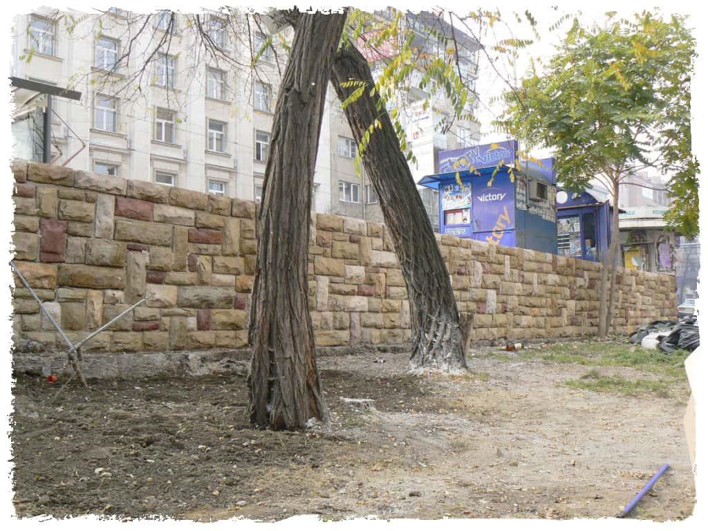 graffitientfernung-natursteinmauer-nachher